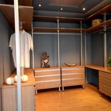 Ontdek de wand- en inloopkasten in onze showroom 10