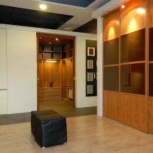 Ontdek de wand- en inloopkasten in onze showroom 12