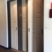 Ontdek de wand- en inloopkasten in onze showroom17